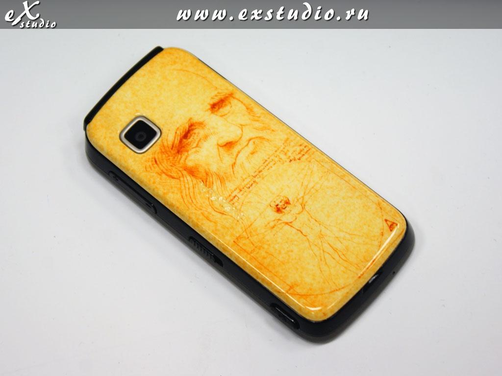 роспись мобильного телефона в технике аэрография по мотивам Леонардо да Винчи